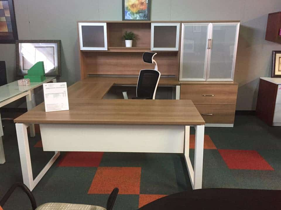 The Right Office Desks Can Improve Productivity