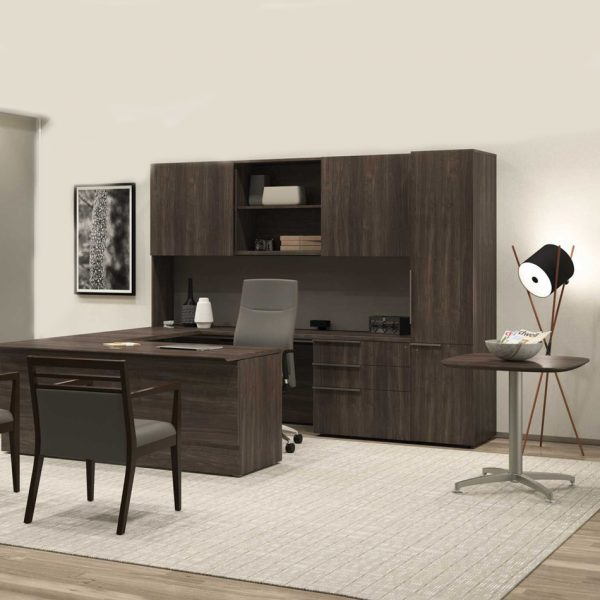 Office chairs and desk in Pompano Beach, FL